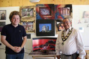 Woodley Mayor attends Waingels art viewing