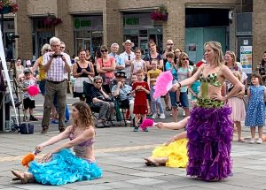 belly dancing in woodley town centre